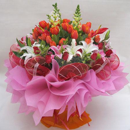 我爱您妈妈/5枝百合玫瑰:一帆风顺_百合郁金香花束