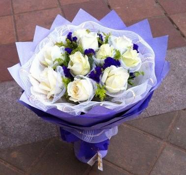 99枝玫瑰/真爱永恒:10枝白色玫瑰/紫色柔情