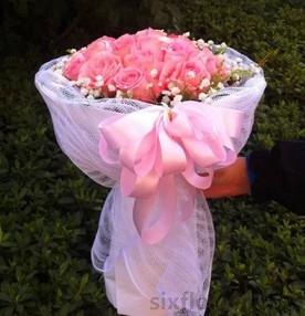 11枝粉色玫瑰/有你就有永恒