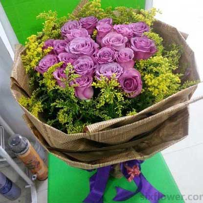 好心情/19枝香槟玫瑰:22枝紫色玫瑰/祝福你
