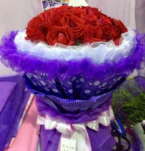 19枝红色玫瑰/浪漫