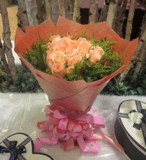 19枝粉色玫瑰/粉色的记忆
