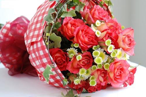 8寸水果蛋糕/希望你好好的:11枝红玫瑰/相思之情