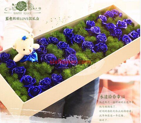 甜蜜爱情/11枝红色玫瑰礼盒巧克力:33枝蓝色玫瑰/终有一日会在最美丽的地方相见