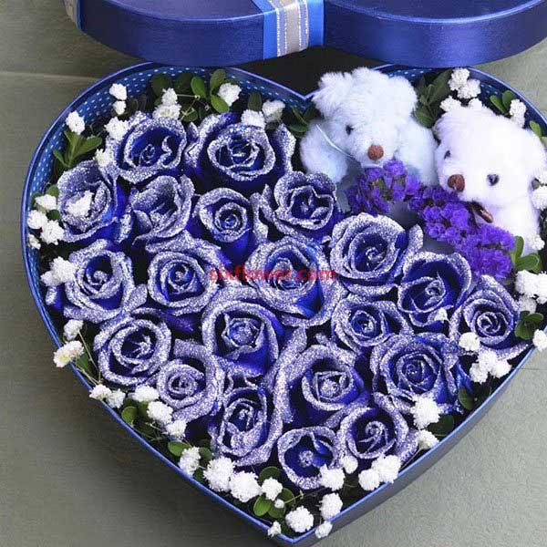 19枝康乃馨/献给母亲的爱:19枝蓝色妖姬/你在我的心里