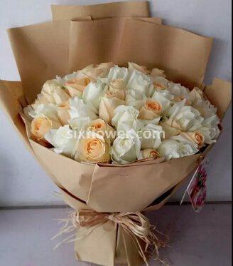 幸福爱下去/21枝红玫瑰绣球花:献给至爱的你/33枝玫瑰