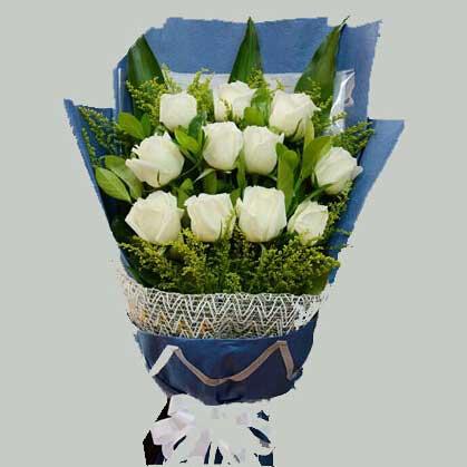 12枝白色玫瑰/为您守候