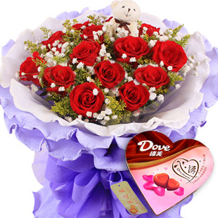 相惜相伴/12枝红玫瑰+巧克力