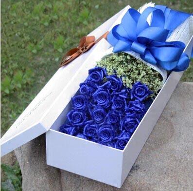 永远伴随你:我心永恒/19枝盒装蓝玫瑰