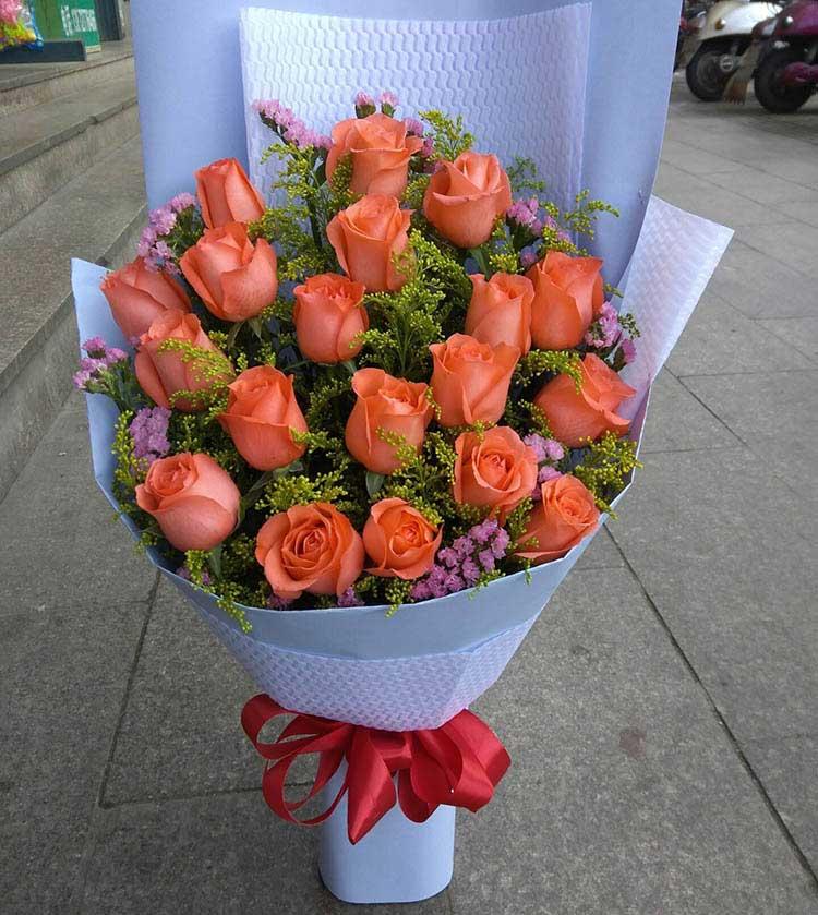 神奇而伟大的心/19枝粉色玫瑰