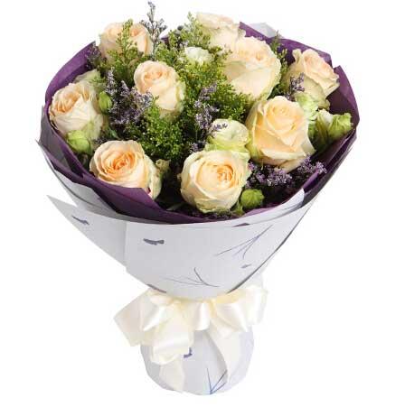 香槟玫瑰9枝/爱如氧气