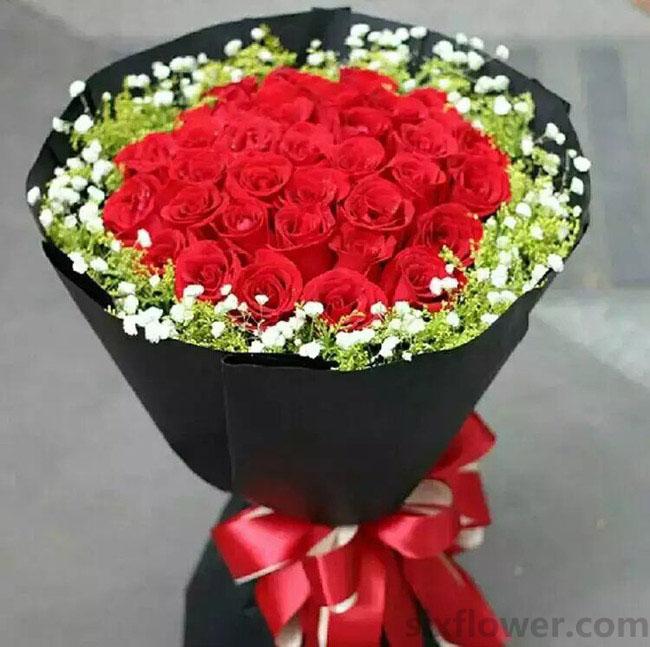 8寸圆形欧式蛋糕:思念那么浓/29枝红色玫瑰
