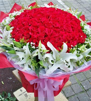 我爱你99/99枝红玫瑰+百合