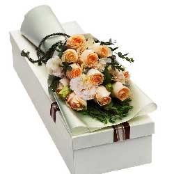 人生陪你一起走/11枝香槟玫瑰礼盒