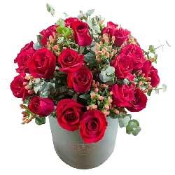 永远伴随你:我愿做你身边的那个人/33枝红玫瑰