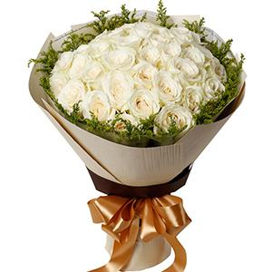 你在我的心里/33枝香槟玫瑰礼盒:高贵典雅/33枝白玫瑰