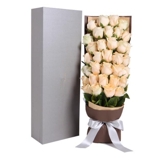 最真的情意/99枝红色玫瑰:33枝香槟玫瑰礼盒/轻轻爱你