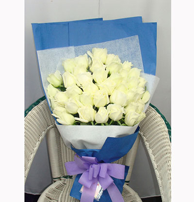 爱你一辈子/11枝粉玫瑰绣球:34枝白玫瑰/深情的爱