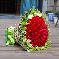 27枝玫瑰/永恒的纪念:99枝玫瑰/被爱包围着的你能幸福到永远...