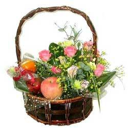 温馨与幸福/8枝粉色多头百合:水果花篮/拥有一丝温暖和感动