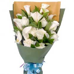 满满的祝福/11枝向日葵19枝桔梗:每一天你都幸福/9枝马蹄莲白玫瑰