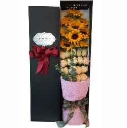 幸福被吉祥笼罩/9枝向日葵、19枝香槟玫瑰