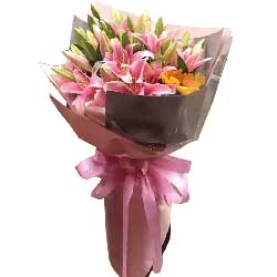 19枝康乃馨/妈妈的关爱:愿你快乐开心/9枝多头粉色百合,1枝向日葵
