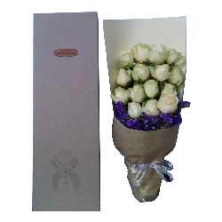 深深的歉意/15枝白色玫瑰,紫色勿忘搭配