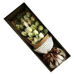 时时刻刻惦记你/水果巧克力蛋糕:对你深深的爱恋/19枝白色玫瑰