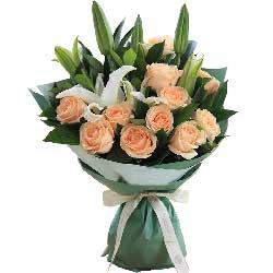 想你是甜蜜的/11枝香槟玫瑰,白百合2枝