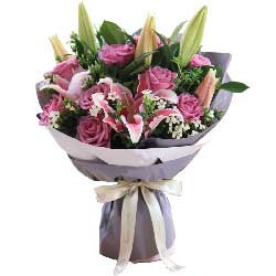 最幸福的人/11枝紫玫瑰,2枝粉百合