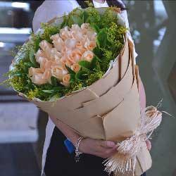 牵手一直到白头/99枝玫瑰礼盒:情迷于你/33枝香槟玫瑰
