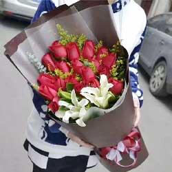 18枝红色玫瑰/情人节快乐