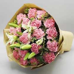 特别的问候/38枝玫瑰:会心的微笑/19枝粉色康乃馨百合