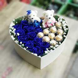 歌唱爱情/8寸元祖鲜奶蛋糕:愿一生有你/11枝蓝色玫瑰,9颗巧克力