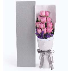 11枝玫瑰+百合/心情:真的好牵挂你/11枝紫色玫瑰礼盒