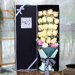 19朵香槟玫瑰,坚定爱情