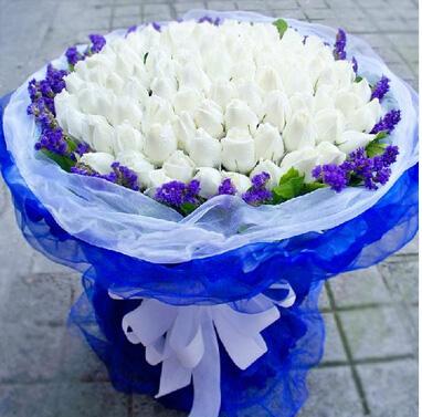 白色之恋/99枝玫瑰