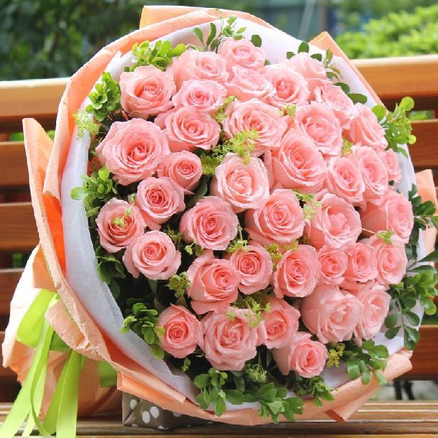 33支粉玫瑰…