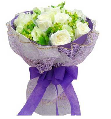 9支白色玫瑰/生生世世陪着你