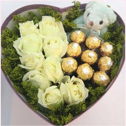 百依百顺/9支盒装白色玫瑰