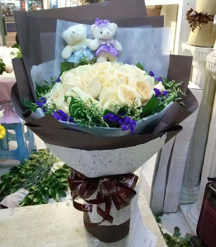 25枝白色玫瑰/想你每一天