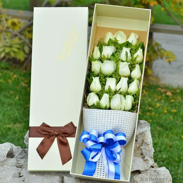 情愿付出/19支白色玫瑰礼盒
