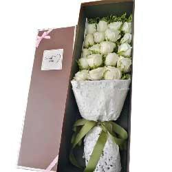 祝福永伴你/19支白色玫瑰礼盒