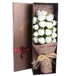 有你陪伴的幸福日子/19枝白色玫瑰