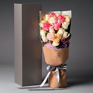 亲爱的我爱你/19枝各色玫瑰