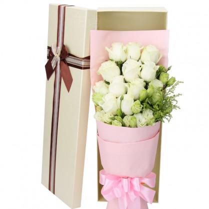 11枝白色玫瑰/相思