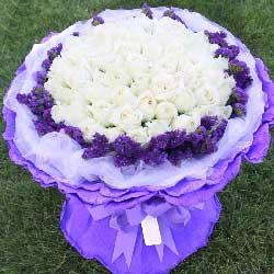 99支白玫瑰…
