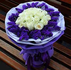 11支白玫瑰,纯洁的爱
