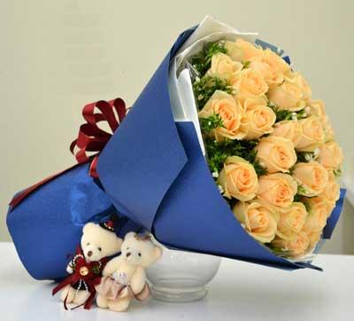 对您的想念更加悠长/香槟玫瑰33枝